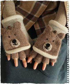 【楽天市場】【こぐま再入荷♪12月17日11時より】動物さん手袋。森の小熊さんこんにちわ。クッキーのようなお鼻の2way指隠し手袋  スマホ手袋ボタンをつけることで指を隠すことができます。おじぎしてみたり、人形劇ができそう。(メール便可)森ガール〇〇:ワンピース専門店 Cawai...