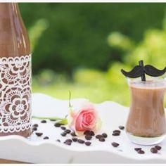 Tiramisu–Likör (ohne Ei): Eisgekühlter Genuss im Sommer