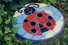 Handmade Mosaic Stepping Stone Broken China by reecreationmosaics - # Mosaic Garden Art, Mosaic Pots, Mosaic Glass, Mosaic Tiles, Stained Glass, Mosaic Mirrors, Mosaic Stepping Stones, Stone Mosaic, Pebble Mosaic
