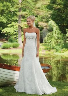 Empire Sweetheart Chapel Train Satin Tulle Wedding Dresses with Ruffle Lace Beadwork