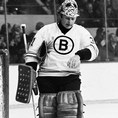 'Gerry Cheevers' by positiveimages Boston Bruins Goalies, Bruins Hockey, Hockey Goalie, Boston Sports, Sports Figures, Old School, Winter Jackets, Bears, Vintage
