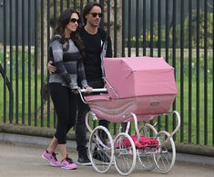 7ca8ec529a1415 New mother Ecclestone ditches her expensive sets of wheels to ... Pram Sets
