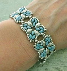 Linda's Crafty Inspirations: Bracelet of the Day: Roundabout - Blue & Silver