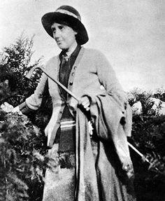 Virginia Woolf in Cornwall in 1916. #virginiawoolf