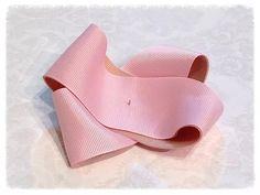 ふんわりリボンの作り方 Hair Bow Tutorial, Hair Bows, Heeled Mules, Baby Shoes, Heels, How To Make, Handmade, Ribbon Flower, Eyebrows