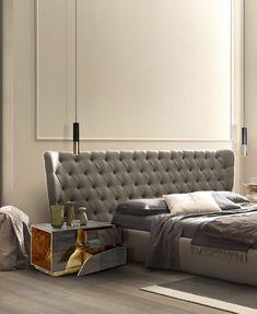 GroB Schlafzimmer Gestalten, Graues Bett, Hängende Lampen In Schwarz Und Gold,  Designer Nachttisch