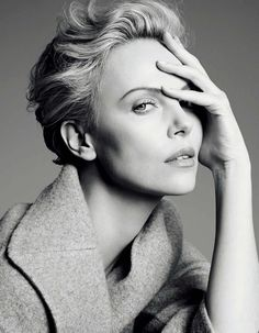 Charlize Theron - South African and American actress, producer, director, and fashion model. Photo by Karim Sadli for Dior Photography Women, Beauty Photography, Portrait Photography, Fashion Photography, Portrait Poses, Studio Portraits, Female Portrait, Charlize Theron, Black And White Portraits