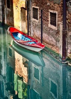 """""""Reflecting on Venice""""*-*. wouldnt mind doing a little reflecting in venice myself hahaha Places Around The World, Oh The Places You'll Go, Places To Travel, Places To Visit, Around The Worlds, Beautiful World, Beautiful Places, Voyage Europe, Jolie Photo"""