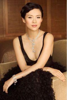 Zhang Ziyi- Memoirs of a Geisha (and Crouching Tiger, Hidden Dragon) Gong Li, Beautiful Asian Women, Beautiful People, Zhang Ziyi, Glamour, Chinese Actress, Mannequins, Belle Photo, Asian Woman