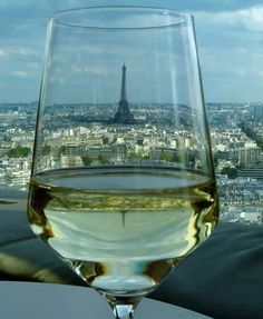 #WineTasting: #Loire Valley & #SouthernFrance #wine, tonight!  Registration is still on going: http://www.meetmeout.fr/events/wine-tasting-back-and-forth-movement-loire-valley-southern-france-wines  #Vin #oenologie #oenology #expats #French #events #meetup #cultural #MeetMeOut  #Eiffel #TourEiffel #EiffelTower #Paris