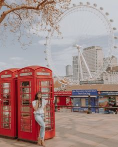 LONDON TRAVEL TIP 🇬🇧: Why pose with one red phone booth when you can post with two AND the Save this post so you don't miss… Travel Photography Tumblr, Photography Beach, London Photography, Landscape Photography, Photography Ideas, London Eye, London Street, London City, New Travel