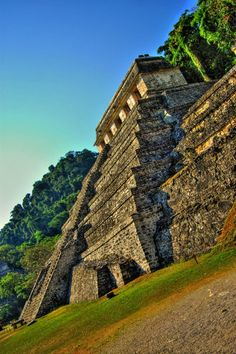 HDR Photography Palenque, Chiapas, México Wonderful Places, Beautiful Places, Maya Architecture, Maya Civilization, Mexican Heritage, Mexico Culture, Mayan Ruins, Mexico Travel, Cancun