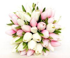 Los ramos de tulipanes son una de las ideas más románticas y originales para todas y cada una de las novias. ¡Descubre estos ejemplos e inspírate!