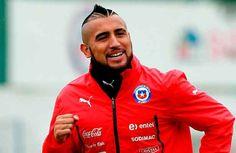 Arturo Vidal, entre algodones - La selección de Chile comenzó a entrenar para el duelo del próximo martes frente a Perú en Lima con dudas sobre el estado físico de Arturo Vidal,...