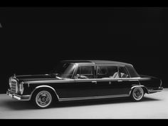 Mercedes Benz 600 Pullman First produced in the Pullman fast became popular with royalty, rockstars and dictators. A few people that have owned one include; John Lennon, Hugh Hefner, Pablo Escobar and even the King (yes I am talking about Elvis. Mercedes 600, Mercedes Benz Cars, Custom Mercedes, Old Vintage Cars, Old Cars, Automobile, Daimler Benz, Classic Mercedes, Maybach