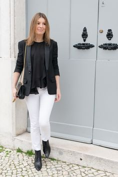 Blogger Style | The Working Girl: black skoming blazer x black top x white skinny jeans x saint laurent lace-up booties x valentino rockstud bag