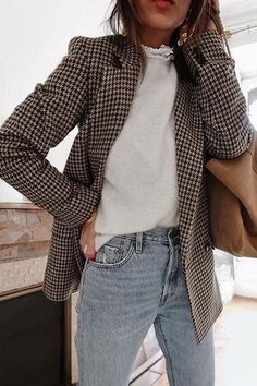 Flawless Summer Outfits Ideas For Slim Women That Looks Cool - Oscilling Jeans Outfit For Work, Jeans Outfit Winter, Winter Outfits, Casual Outfits, Cute Outfits, Work Outfits, Work Jeans, Winter Clothes, Work Attire