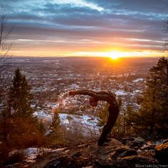 standing back beng, yoga, Oslo view and sunset, lovely