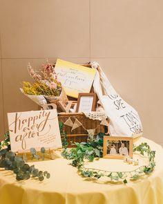 ごちゃごちゃNG!素敵なウェルカムスペースお手本装飾 | marry[マリー] Welcome Boards, Wedding Welcome, Wedding Flowers, Place Card Holders, Party, Instagram, Wedding, Turkish Tea, Parties