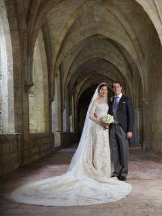Pin for Later: Milliardäre, echte Prinzessinnen, Blogger und Blair Waldorf haben in Kleidern von diesem Designer geheiratet Hochzeitskleider von Elie Saab Braut: Prinzessin Claire von Luxemburg