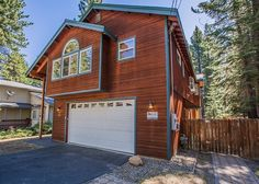 Great location, 12.5 miles to Sierra at Tahoe, 5.9 miles to Heavenly Mountain Resort, casinos and Stateline