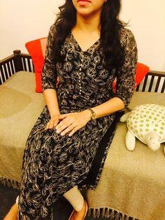 Salwar Designs, Kurti Neck Designs, Kurti Designs Party Wear, Blouse Designs, Simple Kurta Designs, Stylish Dress Designs, Stylish Dresses, Churidhar Designs, Kalamkari Dresses