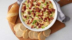 This hot smoked gouda and bacon dip delivers the goods. It's unapologetically cheesy, creamy and loaded with everyone's favorite appetizer ingredient—bacon, of course! Serve it hot out of the oven with slices of French loaf or crackers, and dig in. Quick And Easy Appetizers, Easy Appetizer Recipes, Appetizer Dips, Dip Recipes, Cooking Recipes, Bacon Appetizers, Party Appetizers, Ritz Crackers, Enchiladas