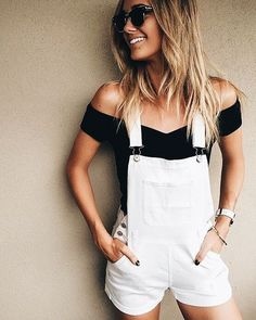29 casual and cute summer outfits white overalls shorts, white dungarees, black short overalls Look Fashion, Fashion Clothes, Fashion Outfits, Fashion Women, Fashion Trends, Feminine Fashion, Teen Fashion, Fashion News, Cute Summer Outfits