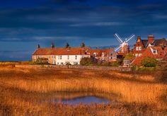 Photos of Cley next the Sea and the Mill. Where to walk when visiting Cley. Parking availability and a map of Cley next the Sea Norfolk Beach, Norfolk Coast, Norfolk Broads, Norwich Norfolk, Science And Nature, Luxury Travel, East Coast, Great Britain, Beautiful Places