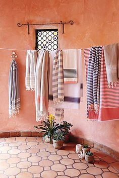 turkish towels - so unbelievably soft and perfect for beach or home #anthrofave