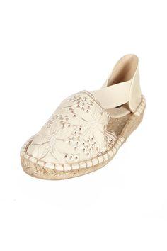 Venda Huran Shoes / 8360 / Mulher / Sandálias Casual / Sandálias Bege. De 42€ por 13€.