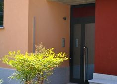 ingresso appartamento trilocale in vendita a gavirate