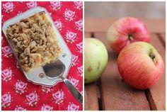 """""""Ein Backblech voller Gemütlichkeit""""  Apfel-Krokant-Streuselkuchen, ein Kuchen vom Blech. Mit Hefeteig, Äpfeln und Streuseln obendrauf. Das könnte der Lieblingskuchen für die ganze Familie werden. Und hier ist das Rezept http://wolkenfeeskuechenwerkstatt.blogspot.de/2013/09/apfel-krokant-streuselkuchen.html"""