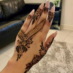 Latest Arabic Mehndi Designs, Henna Tattoo Designs Simple, Back Hand Mehndi Designs, Modern Mehndi Designs, Mehndi Designs For Girls, Mehndi Designs For Fingers, Bridal Mehndi Designs, Hena Designs, Henna Art Designs