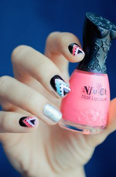 Triangle nail art: three color colour design: soft baby pink (Nfu Oh Mor04), light neon blue (Rainbow Honey Mint Flavor) and glitter sparkle silver (A-England Merlin) and black and white with silver striping tape