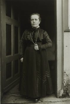 August Sander, Midget Woman, 1920-1924