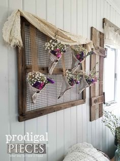 Want to add a rustic touch to your decor? Head to the flea market! There you can find oodles of finds to turn into rustic farmhouse wall art. Farmhouse Wall Art, Rustic Wall Art, Rustic Walls, Home Decor Wall Art, Diy Home Decor, White Farmhouse, Farmhouse Chic, Window Frame Crafts, Window Frames