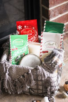 The Merry List: cozy up with a Snow Day Essentials Kit complete with the Lindt Mint Collection of LINDOR truffles and lush accessories. Click for more ideas on the Lindt Unwrapped blog and the chance to win a Snow Day Essentials Kit of your own!
