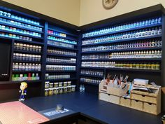 Impressive Schools For Woodworking Ideas. Incredible Schools For Woodworking Ideas. Hobby Desk, Hobby Cnc, Painting Station, Hobby Shops Near Me, Drawing Desk, Paint Storage, Woodworking School, Store Displays, Room Paint