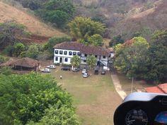 Esta fazenda foi construída por escravos. Fica em Peçanha, Minas Gerais, no Brasil.