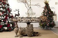 Mesas decoradas para o Natal assinadas por designers e artistas: mesa de Natal assinada pela blogueira Lucila Turqueto, de Casa de Valentina.