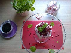 Agi Kuchnia Smaku: WALENTYNKOWY TORCIK BEZOWYZ SERDUSZKAMI   Valentine's Pavlova dessert