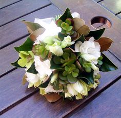 Magnolia bouquet - there has never been a more perfect bouquet for me!! <3