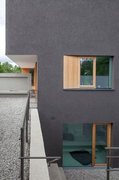 Added Value from Subtraction: A Single-Family Dwelling in Germany - DETAIL - Magazine of Architecture + Construction Details Exterior Stairs, Stucco Walls, Vegas, Detached House, Cladding, Wall Colors, Building Design, Facade, New Construction