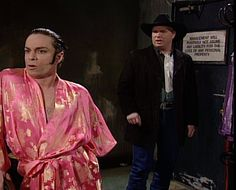 Saturday Night Live: Chris Kattan as Mango with host, Garth Brooks #SNL