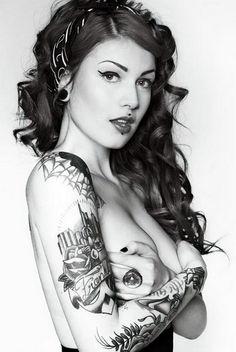 amazing  girls tattooed. LIKE ??  AMTs'