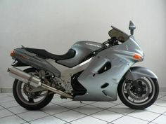 """CITMOTORCYCLESWE WANT YOUR TRADEIN, CAR, BAKKIE, BOATS AND BIKES WELCOMEThe ZZ-R11 long reigned as speed top dog, but that allchanged in 1996 when Honda's Super Blackbird assumed the title of """"FastestProduction Motorcycle"""". Intriguingly, however, the ZZ-R continues to impress,aceing the the Blackbird in top gear roll on tests, remaining a greatall-rounder and now being better value than ever.Accident free!PLEASE VISIT OUR WEBSITE ON WWW. ..."""