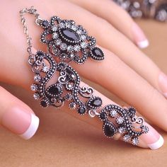 Carved Flowers Vintage Exquisite Mid Rings Fashion Turkish Womens Jewelry Accessories