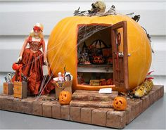 Miniature pumpkin scene. You need to click through to see the front of this too.