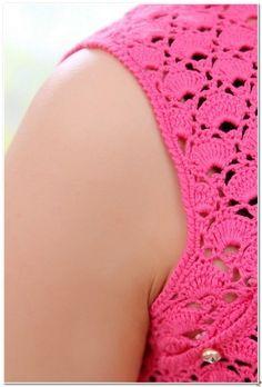 Vesna Radoјkoviћ Crochet Summer Tops, Crochet Top, Knitting Patterns, Crochet Patterns, Mode Crochet, Crochet Clothes, Crochet Dresses, Chinese Style, Leg Warmers